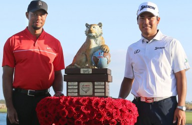 Hideki Matsuyama (R) of Japan and American Tiger Woods pose for photos at Albany Golf Club in the Bahamas on Dec. 4, 2016, after completing the final round of the Hero World Challenge. Matsuyama won the tournament while Woods, the host of the annual event fought by the world top-rankers, finished at 15th. (Kyodo) ==Kyodo, Image: 307565594, License: Rights-managed, Restrictions: , Model Release: no, Credit line: Profimedia, Newscom