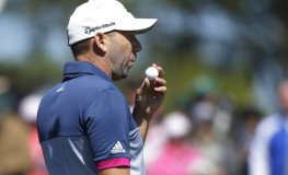 Sergio Garcia of Spain blows on his golf ball on the 18th green in the second round at the 2017 Masters Tournament at Augusta National Golf Club in Augusta, Georgia on April 7, 2017.    Photo by /UPI, Image: 328279193, License: Rights-managed, Restrictions: , Model Release: no, Credit line: Profimedia, UPI