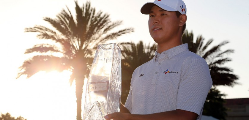 May 14, 2017; Ponte Vedra Beach, FL, USA; Si Woo Kim hoist the trophy after winning The Players Championship golf tournament at TPC Sawgrass - Stadium Course., Image: 332312226, License: Rights-managed, Restrictions: *** World Rights ***, Model Release: no, Credit line: Profimedia, SIPA USA