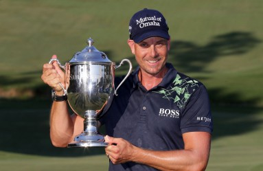 GREENSBORO, NC - AUGUST 20: Henrik Stenson poses with the trophy after winning the Wyndham Championship during the final round at Sedgefield Country Club on August 20, 2017 in Greensboro, North Carolina.   Streeter Lecka, Image: 345971817, License: Rights-managed, Restrictions: , Model Release: no, Credit line: Profimedia, Getty images
