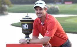 Justin Rose of England poses with his trophy after he stormed back from eight shots behind overnight to win the 9.75 million USD WGC-HSBC Champions by two strokes in a thrilling finale at the Sheshan International golf club in Shanghai on October 29, 2017., Image: 354138598, License: Rights-managed, Restrictions: , Model Release: no, Credit line: Profimedia, AFP