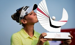 Us golfer Jessica Korda kisses the Honda LPGA golf tournament trophy at the Siam Country Club in the coastal Thai province of Chonburi on February 25, 2018., Image: 364293179, License: Rights-managed, Restrictions: , Model Release: no, Credit line: Profimedia, AFP
